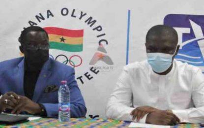 GOC President Nunoo Mensah applauds Sports Minister Mustapha Ussif